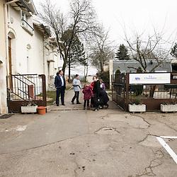 Les enfants ont egalement des activites a l'exterieur de La Chaumiere, Maison d'enfants à caractere social. Vilcey-sur-Trey (54), France. 10 mars 2010. Photo : Antoine Doyen
