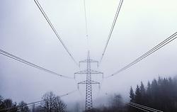 THEMENBILD - Leitungen und ein Strommasten im Nebel, aufgenommen am 09. April 2019 in Kaprun, Oesterreich // Cables and a power pole in the fog in Kaprun, Austria on 2019/04/09. EXPA Pictures © 2019, PhotoCredit: EXPA/ JFK