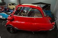 1958 BMW Isetta 300 (side)