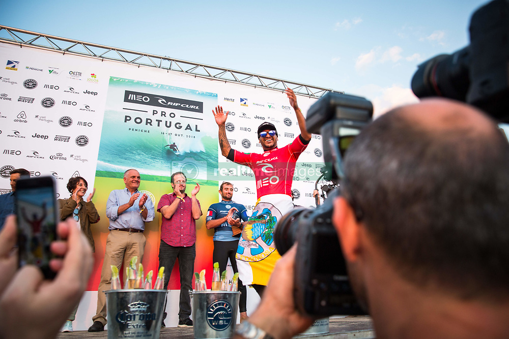 October 20, 2018 - Peniche, Portugal - Brazilian surfer Italo Ferreira was the winner of Meo Rip Curl Pro Portugal. (Credit Image: © Henrique Casinhas/NurPhoto via ZUMA Press)