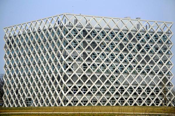 Nederland, Wageningen, 20-2-2008..Het nieuwe Atlas gebouw van de wageningen universiteit. Hier zijn verschillende richtingen mbt klimaatonderzoek en onderwijs gehuisvest. Het staat op de nieuwe campus, de Born...Foto: Flip Franssen/Hollandse Hoogte