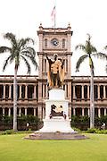 The King Kamehameha statue in front of Ali'iolani Hale in Honolulu.