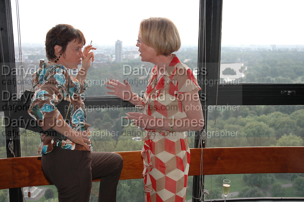 Jessica Berens and Emma Soames, Telegraph magazine 40th anniversary, Windows, London Hilton. 6 September 2004. SUPPLIED FOR ONE-TIME USE ONLY-DO NOT ARCHIVE. © Copyright Photograph by Dafydd Jones 66 Stockwell Park Rd. London SW9 0DA Tel 020 7733 0108 www.dafjones.com