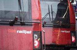 """26.11.2018, Bahnhof Meidling, Wien, AUT, Warnstreik der Eisenbahner Gewerkschaft vida zwischen 12:00 und 14:00 Uhr. im Bild Railjet der ÖBB // during warning strike of the railway workers at """"Meidling station"""" in Vienna, Austria on 2018/11/26. EXPA Pictures © 2018, PhotoCredit: EXPA/ Michael Gruber"""