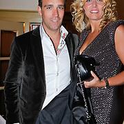 NLD/Volendam/20111117 - Huwelijksfeest nav huwelijk Jan Smit en Liza Plat, Jenny Smit en partner