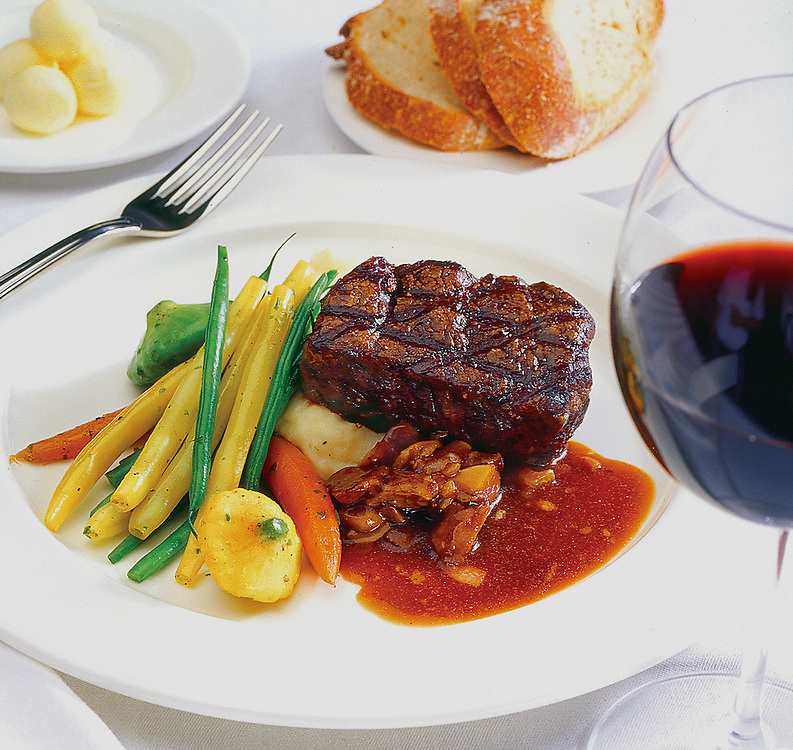 steak with string beans,courgette,food photographer,miami,<br /> miami food photography