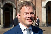 Vertrek van Politici voorafgaand het voorlezen van de troonrede in de Grote Kerk aan leden van de Eerste en Tweede Kamer vanaf het Binnenhof.<br /> <br /> Op de foto:   Pieter Omtzigt