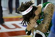 DESCRIZIONE : Roma Lega A 2012-13 Acea Virtus Roma Montepaschi Siena Finale Gara 5<br /> GIOCATORE : Daniel Hackett<br /> CATEGORIA : post game esultanza curiosita<br /> SQUADRA : Montepaschi Siena<br /> EVENTO : Campionato Lega A 2012-2013 Play Off Finale Gara 5<br /> GARA : Acea Virtus Roma Montepaschi Siena Finale Gara 5<br /> DATA : 19/06/2013<br /> SPORT : Pallacanestro <br /> AUTORE : Agenzia Ciamillo-Castoria/N. Dalla Mura<br /> Galleria : Lega Basket A 2012-2013 <br /> Fotonotizia : Roma Lega A 2012-13 Acea Virtus Roma Montepaschi Siena Finale Gara 5