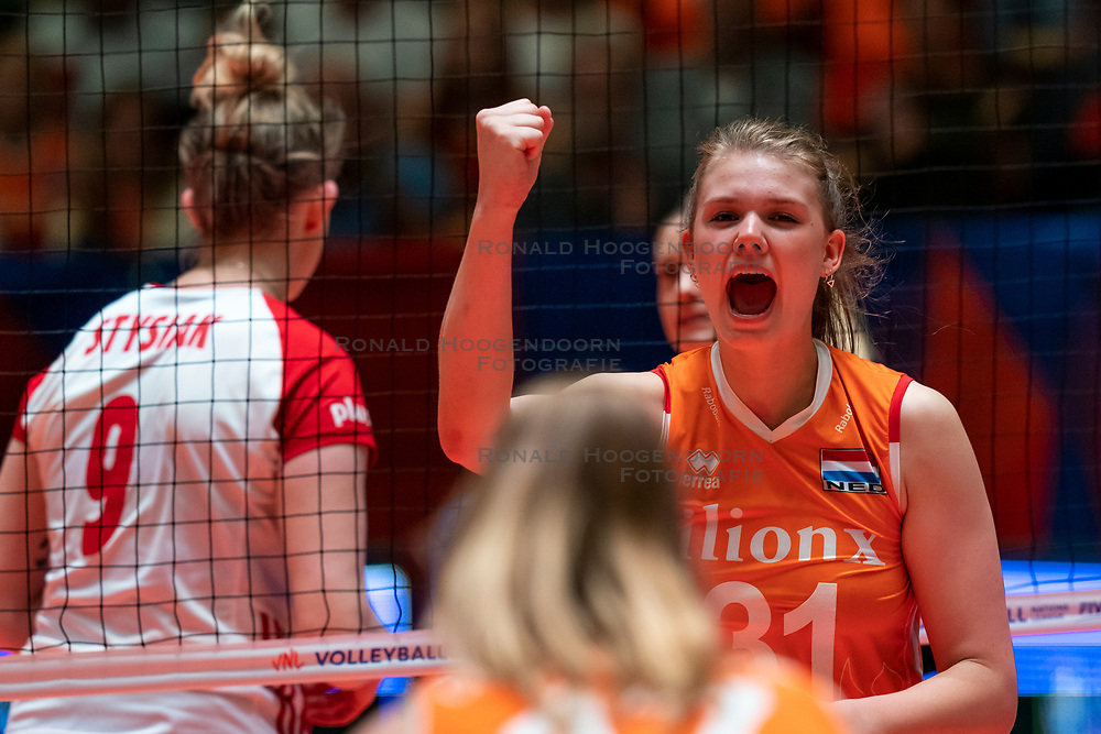 30-05-2019 NED: Volleyball Nations League Netherlands - Poland, Apeldoorn<br /> Eline Timmerman #31 of Netherlands