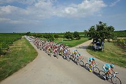 08.07.2011, AUT, 63. OESTERREICH RUNDFAHRT, 6. ETAPPE, HAINBURG-BRUCK AN DER LEITHA, im Bild das Feld mit Fredrik Kessiakoff, (SWE, Pro Team Astana) in Bruck an der Leitha // during the 63rd Tour of Austria, Stage 6, 2011/07/08, EXPA Pictures © 2011, PhotoCredit: EXPA/ S. Zangrando