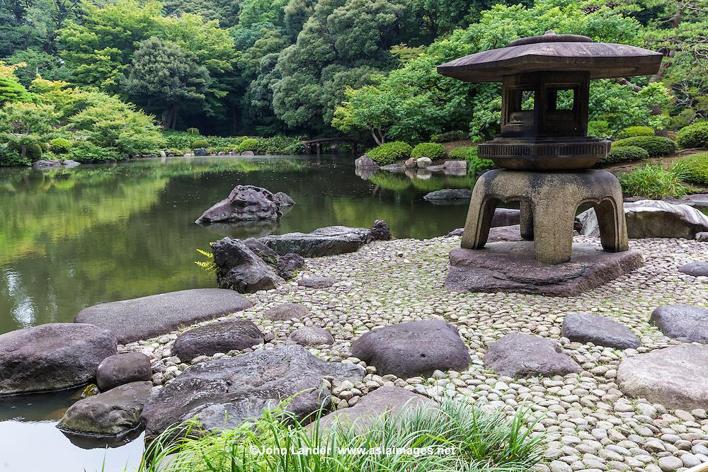 Kyu Furukawa Garden was originally the domain of Mutsu Munemitsu. but later became the property of the Furukawa family.  Ogawa Jihei designed the garden renowned for its beauty. The Furukawa garden is regarded as an example of Japanese gardens of the Taisho Period.