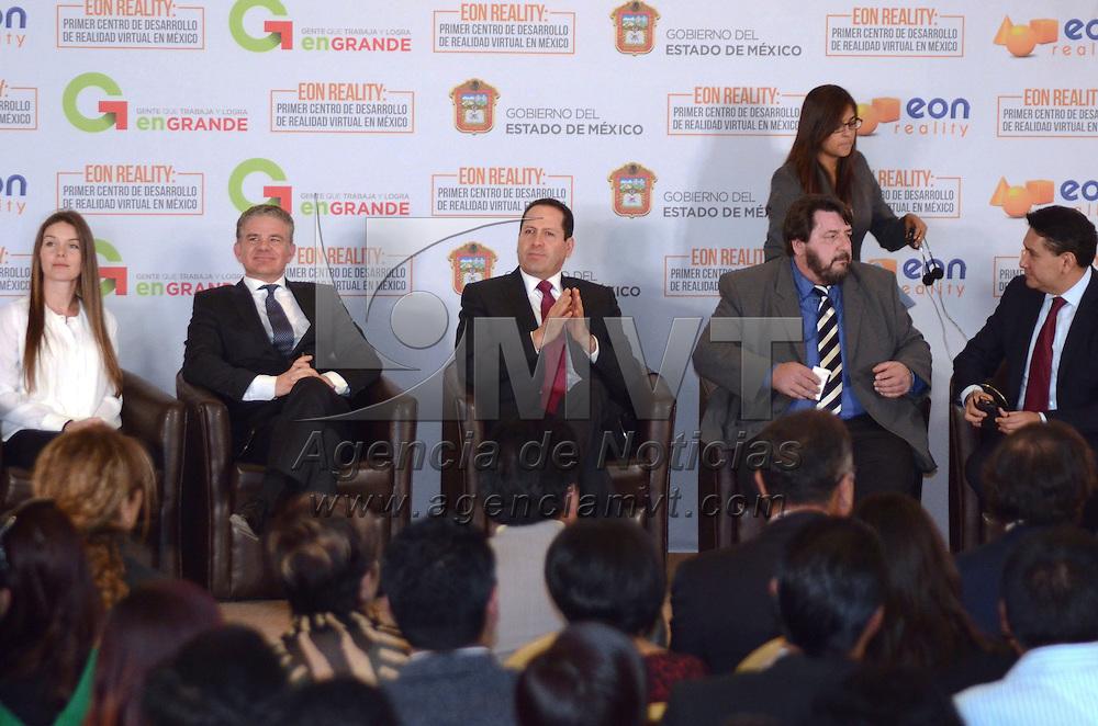 Toluca, México (Abril 18, 2016).- Eruviel Ávila Villegas, Gobernador del Estado de México, presidio la presentación del proyecto del nuevo cetro de Realidad Virtual, EON Reality en el Edomex, con una inversión de más de 20 millones de dólares, empresa que encabeza Dan Le Jeskar.  Agencia MVT / José Hernández.