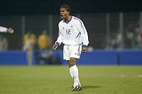 Fotball<br /> Åttendelsfinale EM U21 2004<br /> 18.11.2003<br /> Frankrike v Portugal<br /> Foto: Digitalsport<br /> Norway Only<br /> <br /> FOOTBALL - EUROPEAN UNDER 21 CHAMPIONSHIP 2004 - 1/8 FINAL - 031118 - FRANCE v PORTUGAL - FLORENT SINAMA PONGOLLE (FRA) - PHOTO GUY JEFFROY