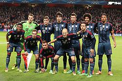 19.02.2014, Emirates Stadion, London, ENG, UEFA CL, FC Arsenal vs FC Bayern Muenchen, Achtelfinale, im Bild Mannschaft des FC Bayern gegen Arsenal: hvl: Torwart, Goalkeeper Manuel Neuer (FC Bayern Muenchen #1), Toni Kroos (FC Bayern Muenchen #39), Thiago Alcantara (FC Bayern Muenchen #6), Mario Mandzukic (FC Bayern Muenchen #9), Dante (FC Bayern Muenchen #4), Jerome Boateng (FC Bayern Muenchen #17), vvl: David Alaba (FC Bayern Muenchen #27), Kapitaen, Captain Philipp Lahm (FC Bayern Muenchen #21), Mario Goetze (FC Bayern Muenchen #19), Arjen Robben (FC Bayern Muenchen #10) un dThiago Alcantara (FC Bayern Muenchen #6) // during the UEFA Champions League Round of 16 match between FC Arsenal and FC Bayern Munich at the Emirates Stadion in London, Great Britain on 2014/02/19. EXPA Pictures © 2014, PhotoCredit: EXPA/ Eibner-Pressefoto/ Schueler<br /> <br /> *****ATTENTION - OUT of GER*****