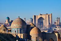 Ouzbékistan, Samarcande, classé Patrimoine Mondial de l'UNESCO, mausolée de Shah i Zinda, mosquée Bibi Khanoum // Uzbekistan, Samarkand, Unesco World Heritage, the Reghistan, Shah i Zinda mausoleum, Bibi Khanoum mosque
