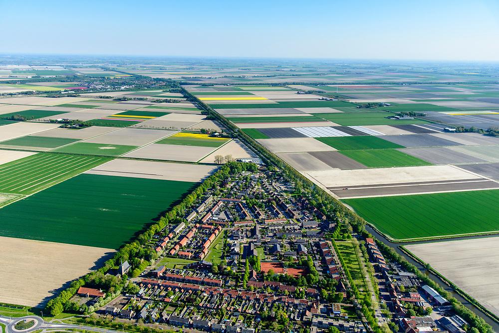 Nederland, Noord-Holland, Hollands Kroon, 07-05-2018; Slootdorp, dorp in de Wieringermeer gelegen aan de Slootvaart.<br /> Polder village, Wieringermeer polder.<br /> luchtfoto (toeslag op standaard tarieven);<br /> aerial photo (additional fee required);<br /> copyright foto/photo Siebe Swart