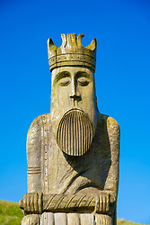 Large wooden sculpture of Lewis Chessman at Ardroil Beach, Uig Sands, Isle of Lewis, Outer Hebrides, Scotland, UK