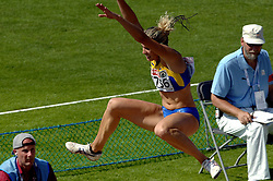 08-08-2006 ATLETIEK: EUROPEES KAMPIOENSSCHAP: GOTHENBORG <br /> DOBRYNSKA Nataliya (UKR) Meerkamp<br /> ©2006-WWW.FOTOHOOGENDOORN.NL