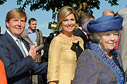Koninginnedag 2012 in de Utrechtse gemeente Rhenen.// Queensday 2012 in the city of Rhenen.<br /> <br /> Op de foto: Prins Willem-Alexander, prinses Maxima en koningin Beatrix