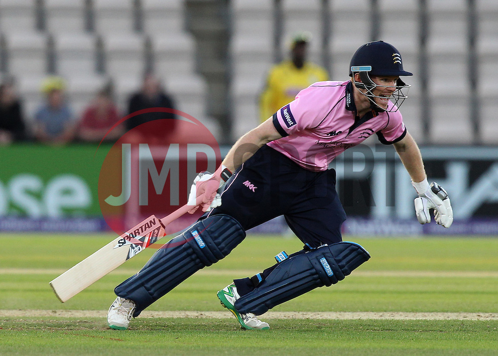 Middlesex's Eoin Morgan takes a run - Photo mandatory by-line: Robbie Stephenson/JMP - Mobile: 07966 386802 - 04/06/2015 - SPORT - Cricket - Southampton - The Ageas Bowl - Hampshire v Middlesex - Natwest T20 Blast