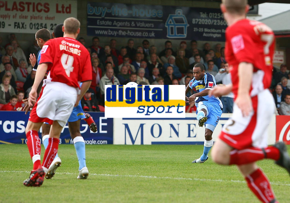 Photo: Andrew Unwin.<br />Accrington Stanley v Wycombe Wanderers. Coca Cola League 2. 30/09/2006.<br />Wycombe's Chris Palmer tries a long-range shot.