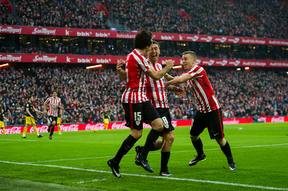 BILBAO, SPAIN - JANUARY 22:  Oscar De Marcos of Athletic Club celebrates with his teammates Iker Muniain and Inigo Lekue of Athletic Club after scoring his team's second goal during the La Liga match between Athletic Club Bilbao and Atletico Madrid at San Mames Stadium on January 22, 2017 in Bilbao, Spain.  (Photo by Juan Manuel Serrano Arce/Getty Images)