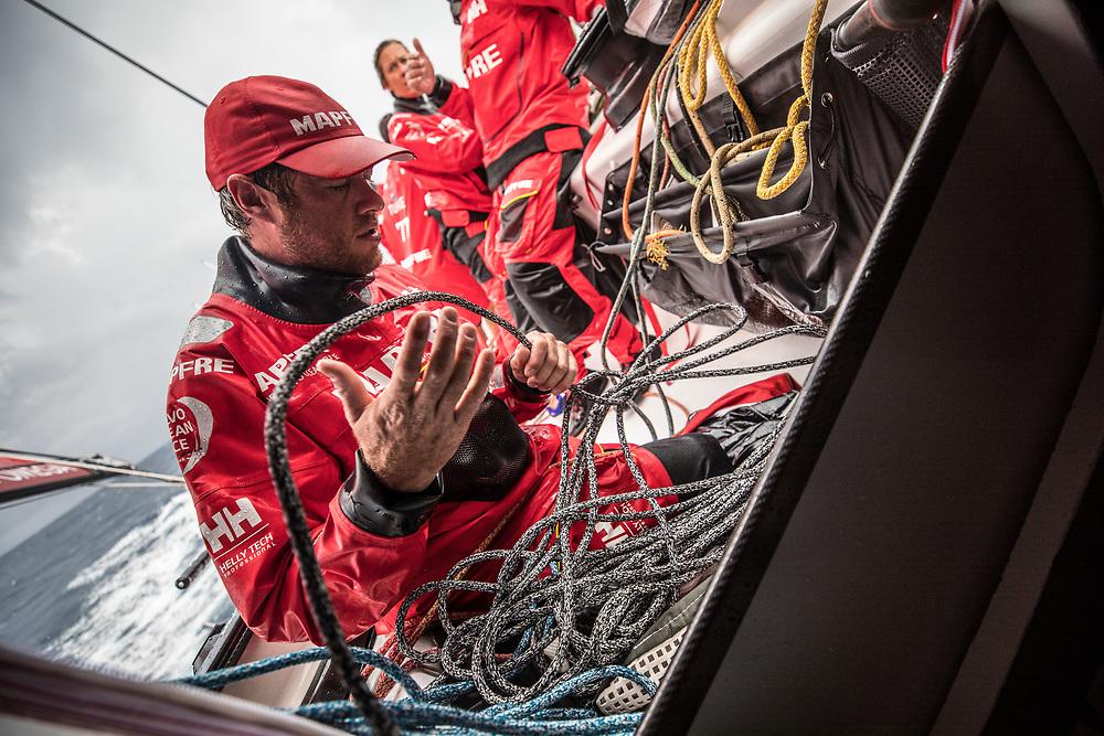 Leg 02, Lisbon to Cape Town, day 07, on board MAPFRE, Antonio Cuervas-Mons, Ñeti, adujando cabos después de un cambio de vela. Photo by Ugo Fonolla/Volvo Ocean Race. 11 November, 2017