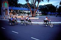 Malaisie, Mersing, Ecoliers // Malaysia, Mersing, schoolboy