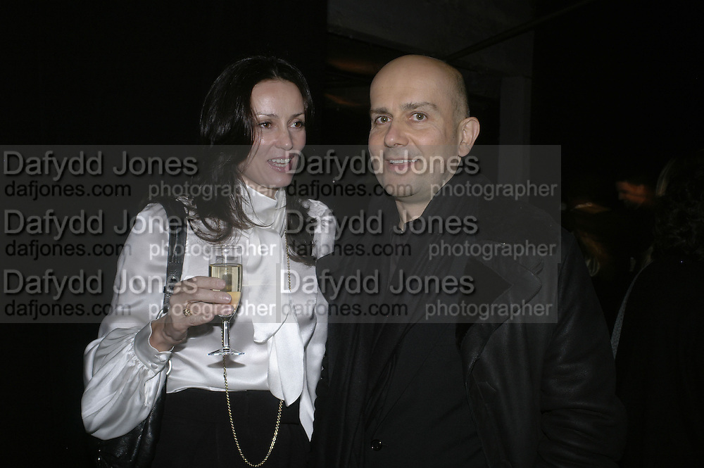 Trisha Simonon and Marc Quin, Aperiatur Terra, Private View of work by  Anselm Kiefer<br />White Cube, Mason's Yard. - Afterwards dinner at the  NCP Brewer Street (Top<br />Floor)  London, 25 January 2007. -DO NOT ARCHIVE-© Copyright Photograph by Dafydd Jones. 248 Clapham Rd. London SW9 0PZ. Tel 0207 820 0771. www.dafjones.com.