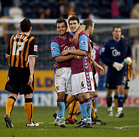 Photo: Jed Wee.<br />Hull v Aston Villa. The FA Cup. 07/01/2006.<br />Aston Villa's Lee Hendrie (L) celebrates with match winner Gareth Barry at the final whistle.