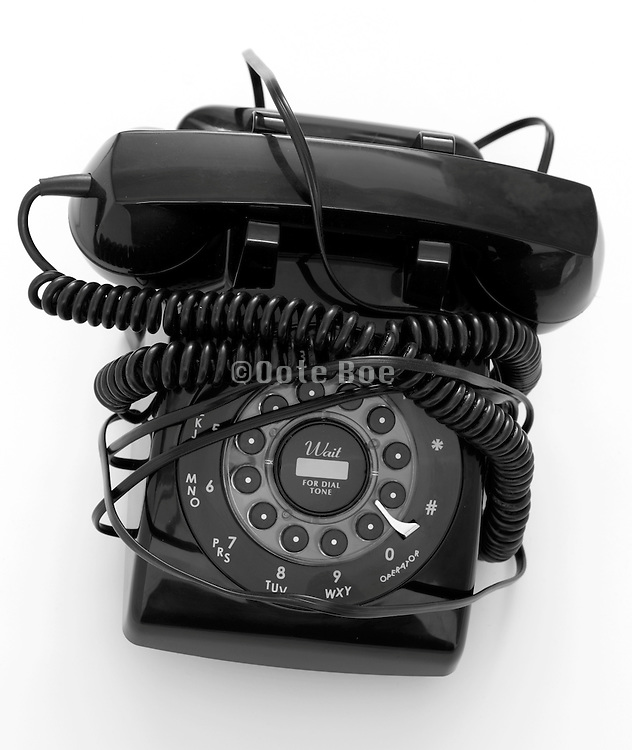 old style black telephone