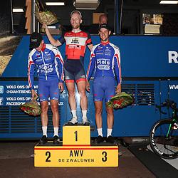 20-08-2016: Wielrennen: Guus Caarels Memorial: Goor<br /> GOOR (NED) wielrennen  <br /> Podium Guus Caarels Memorial. Podium  Roy Eeftink, Twan Brusselman, Joey van Rhee