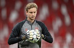 Frederik Rønnow (Danmark) under opvarmning til UEFA Nations League kampen mellem Danmark og Belgien den 5. september 2020 i Parken, København (Foto: Claus Birch).