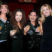 Uitreiking Populariteitsprijs 1998, Close II you, Sally Flissinger, Marsha van de Bergh, Natascha Scheffers, Nadja Nooijen