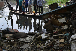 August 4, 2017 - Dhaka, Bangladesh - Canal fills with garbage and wastage on Friday, August 4, 2017 from Motijheel, Dhaka , Bangladesh. (Credit Image: © Syed Mahamudur Rahman/NurPhoto via ZUMA Press)