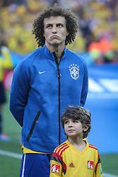 David Luiz canta hino nacional na partida entre Brasil x Croácia, na abertura da Copa do Mundo 2014, no Estádio Arena Corinthians, em São Paulo. FOTO: Jefferson Bernardes/ Agência Preview