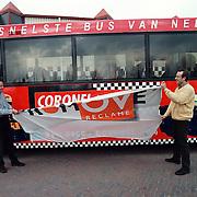 Tim en Tom Coronel onthullen hun reclame Conexxion bus