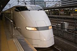 """Asia, Japan, Kanagawa prefecture, Odawara, bullet train (""""shinkansen"""") in station"""