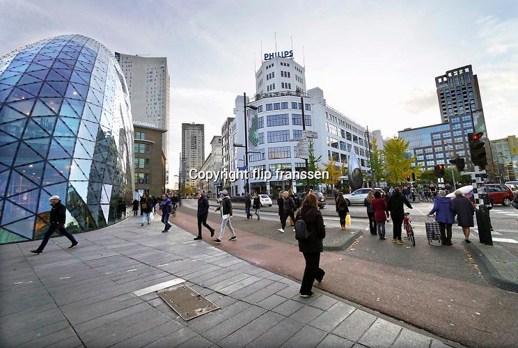 Nederland, Eindhoven, 27-10-2019 Het is druk in de stad tijdens de laatste dag van de ddw, dutch design week .Foto: Flip Franssen