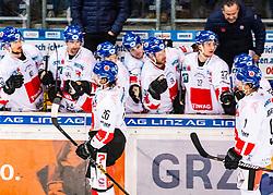 10.01.2020, Keine Sorgen Eisarena, Linz, AUT, EBEL, EHC Liwest Black Wings Linz vs HC TWK Innsbruck Die Haie, 38. Runde, im Bild v.l. Joel Broda (HC TWK Innsbruck Die Haie), John Lammers (HC TWK Innsbruck Die Haie) feiern das 3 zu 2 // during the Erste Bank Eishockey League 38th round match between EHC Liwest Black Wings Linz and HC TWK Innsbruck Die Haie at the Keine Sorgen Eisarena in Linz, Austria on 2020/01/10. EXPA Pictures © 2020, PhotoCredit: EXPA/ Reinhard Eisenbauer