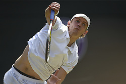KEVIN ANDERSON BEATS ROGER FEDERER AT WIMBLEDON CHAMPIONSHIPS 2018.(180711) -- LONDON, July 11, 2018  Kevin Anderson of South Africa hits a return during the men's singles quarter-final match against Roger Federer of Switzerland at the Wimbledon Championships 2018 in London, Britain, on July 11, 2018. Kevin Anderson won 3-2. (Credit Image: © Stephen Chung/Xinhua via ZUMA Wire)