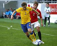 Fotball <br /> Privatlandskamp U21<br /> Briskeby Gressbane <br /> 02.06.11<br /> Norge  v  Sverige  1-4<br /> Norway  v  Sweden  1-4<br /> Foto: Dagfinn Limoseth, Digitalsport<br /> Mattias Johansson  , SWE og Vegard E. Hedenstad , NOR