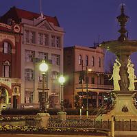 Pall Mall &  Alexandra Fountain, Bendigo