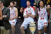 DESCRIZIONE : Final Eight Coppa Italia 2015 Finale Olimpia EA7 Emporio Armani Milano - Dinamo Banco di Sardegna Sassari<br /> GIOCATORE : Angelo Gigli David Moss Linas Kleiza<br /> CATEGORIA : delusione postgame composizione<br /> SQUADRA : EA7 Emporio Armani Milano<br /> EVENTO : Final Eight Coppa Italia 2015<br /> GARA : Olimpia EA7 Emporio Armani Milano - Dinamo Banco di Sardegna Sassari<br /> DATA : 22/02/2015<br /> SPORT : Pallacanestro <br /> AUTORE : Agenzia Ciamillo-Castoria/Max.Ceretti