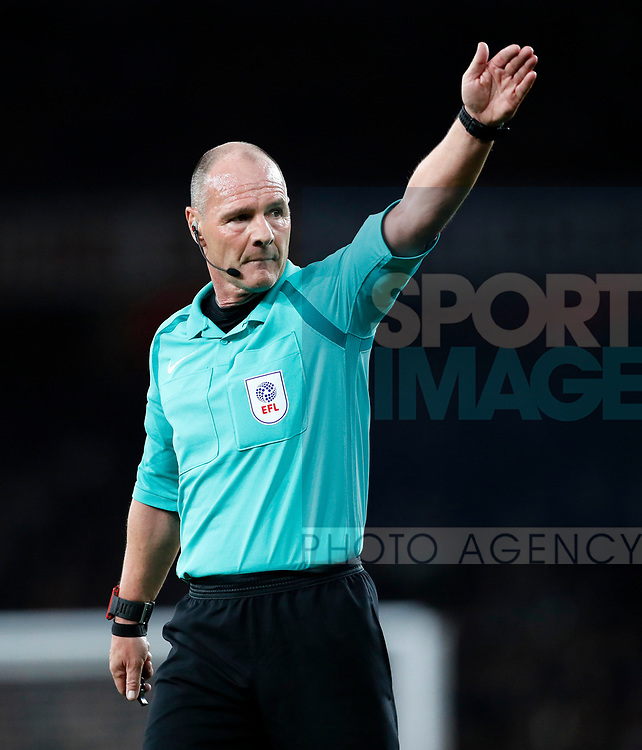Referee Scott Duncan in action during the Carabao Cup Third Round match at the Emirates Stadium, London. Picture date 20th September 2017. Picture credit should read: David Klein/Sportimage