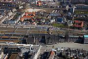 Nederland, Limburg, Maastricht, 07-03-2010;  spoorwegstation, met Stationsstraat (onder) en Parallelweg (l) en Spoorweglaan (r).Railwaystation in Wyck quarter.luchtfoto (toeslag), aerial photo (additional fee required);.foto/photo Siebe Swart