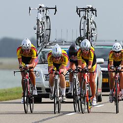Brainwash Ladiestour Dronten Team Time Trail Jan van Arkel vrouwen met Kimberley van der Berg, Sione Jongstra, Moniek Tenniglo, Willeke Knol, Silke Kogelman, Hester Wagenaar