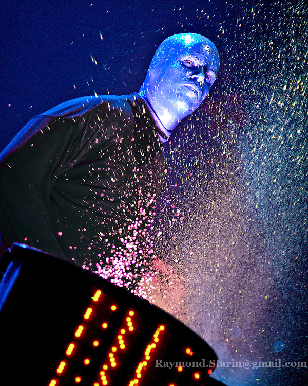 The Blue Man Group makes an appearence at the Mankato Alltel Center delighting crowds with their music and antics.