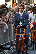 Medaillewinnaars van de Olympische Zomerspelen 2016 vertrekken per fiets van het Binnenhof voor een ontvangst op Paleis Noordeinde. <br /> <br /> op de foto: