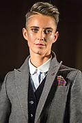 NUE538 - NUEVA YORK(EEUU), 09/9/16.-  Desfile de moda queer DapperQ en el marco del New York Fashion Week, concretamente ubicado en el Brooklyn Museum. Hasta 8 diseñadores y diseñadoras han mostrado sus colecciones en un acto muy reivindicativo a favor de la libertad de género EFE/Edu Bayer